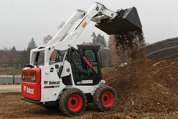Bobcat Skid-steer Loader S570