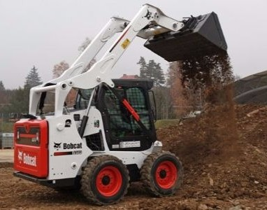 CAR_Bobcat-Skid-steer-Loader-S570 (1)
