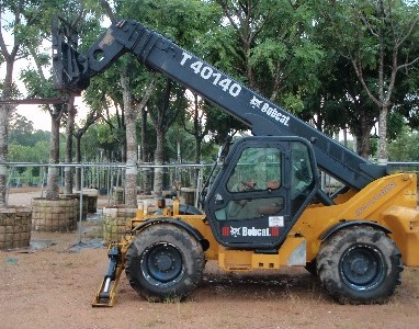 CAR_Bobcat-Telescopic-Handler (1)